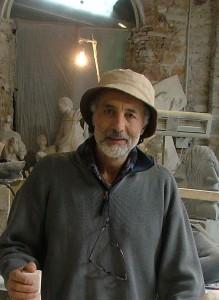 Entretien avec le sculpteur Zizi Smaïl: aucun régime totalitaire ne peut bloquer l'expression artistique Zizi-samail32-219x300