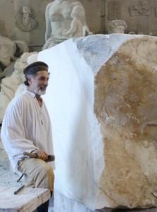 Entretien avec le sculpteur Zizi Smaïl: aucun régime totalitaire ne peut bloquer l'expression artistique Zizi-smail24-223x300